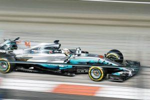 Formule Un bleu | Chuttersnap | vitesse de l'internet